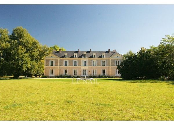 Thumbnail Property for sale in 49000, Angers, Fr
