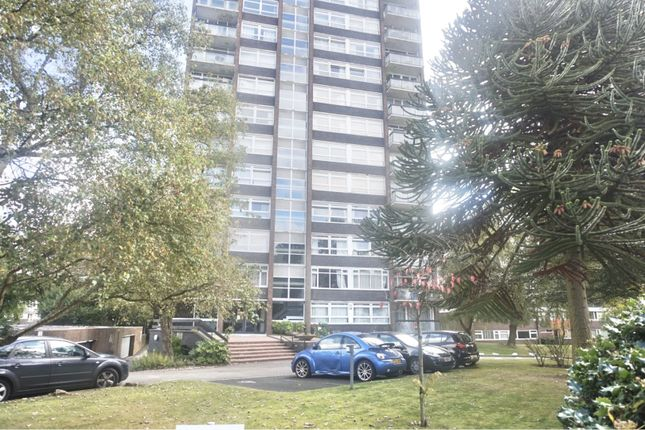 2 bed flat to rent in Hermitage Road, Birmingham B15