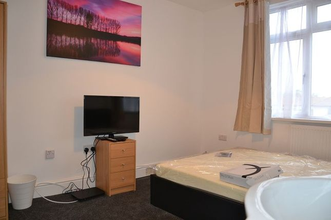 Property to rent in Windmill Lane, Greenford, Greater London.