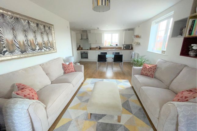 Thumbnail Flat to rent in Miles East, Harwell, Didcot