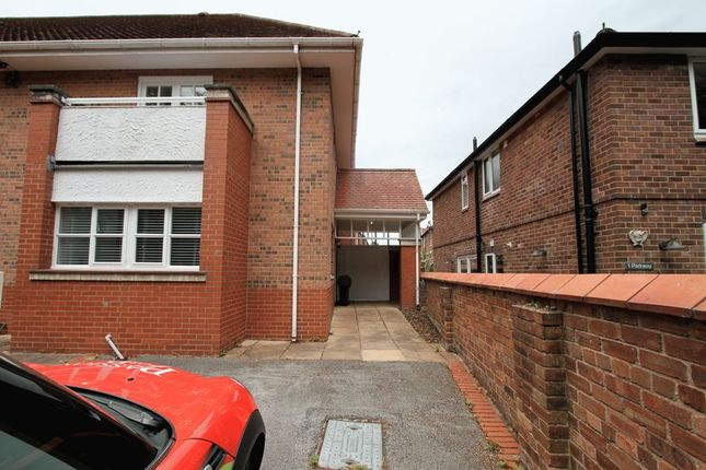 Thumbnail Mews house to rent in Dee Hills Park, Chester