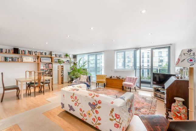 Flat for sale in Agate Close, West Twyford, London