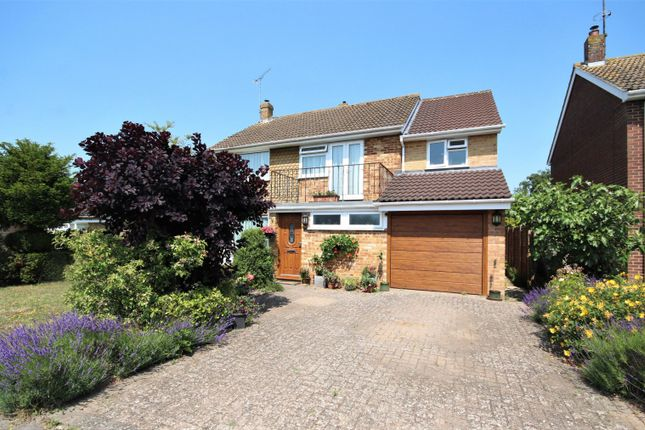 Thumbnail Detached house for sale in Malvern Way, Twyford, Reading