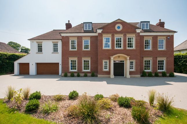 Thumbnail Detached house for sale in Warren Drive, Kingswood, Tadworth