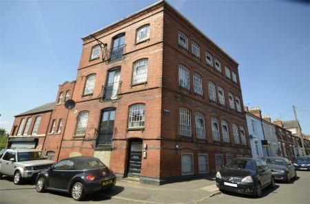 Thumbnail Flat for sale in 7 Crabb Street, Rushden, Northamptonshire