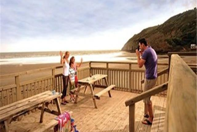 Pendine-Sands-Holiday-Park-6