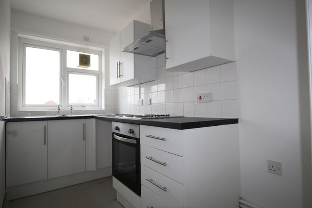 Thumbnail Flat to rent in Market Parade, Havant