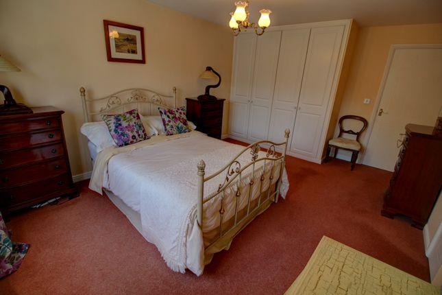 Master Bedroom Photo 3