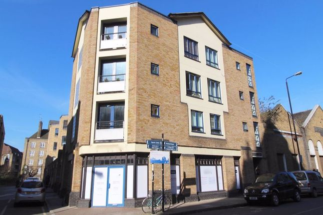 Thumbnail Flat to rent in Wapping High Street, London