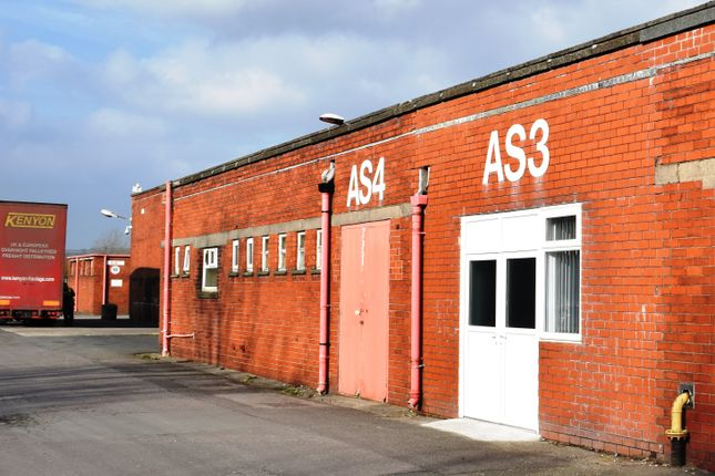 Thumbnail Office to let in Blackburn Road, Clayton Le Moors, Accrington