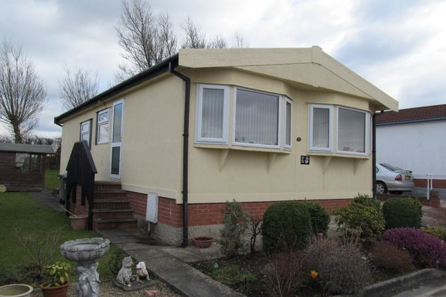 Thumbnail Mobile/park home for sale in Poplar Drive, Tupton, Chesterfield, Derbyshire