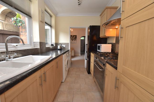 Fitted Kitchen of Old Chester Road, Chester Green, Derby DE1