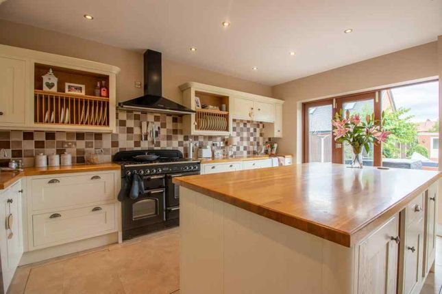Kitchen of The Hollows, Long Eaton, Nottingham NG10