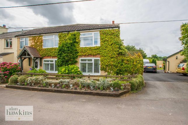 Thumbnail Semi-detached house for sale in Greatfield, Swindon