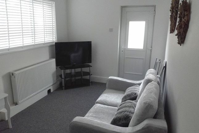 Thumbnail Flat to rent in Cosgrove Street, Cleethorpes