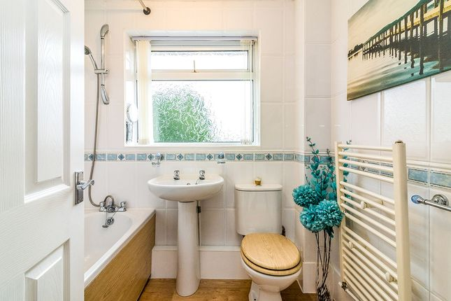 Bathroom of Jenkin Avenue, Sheffield, South Yorkshire S9