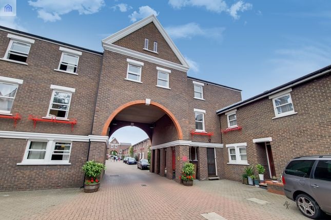 5 bed semi-detached house to rent in Lockesfield Place, Island Gardens / Greenwich E14