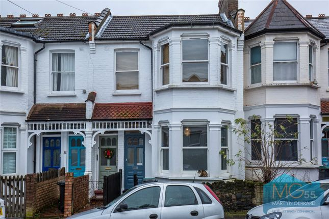 Maisonette for sale in Hawthorn Road, Crouch End, London