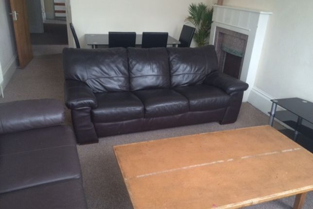 Thumbnail Maisonette to rent in Clifton Place, North Hill, Plymouth