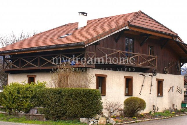 5 bed farmhouse for sale in Domancy, 74700, France
