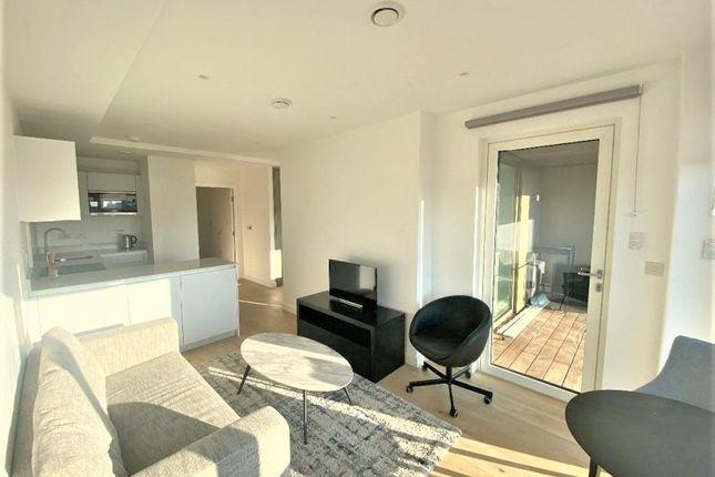 Thumbnail Studio to rent in Pentonville Road, London