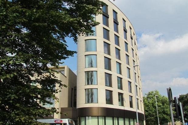 Thumbnail Flat to rent in Parkside, Cambridge