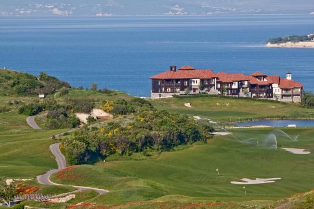 Thumbnail Apartment for sale in Thracian Cliffs Golf Resort, Kavarna, Dobrich, Bulgaria