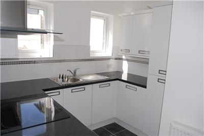 Thumbnail Terraced house to rent in Highland Crescent, Clifton, Bristol