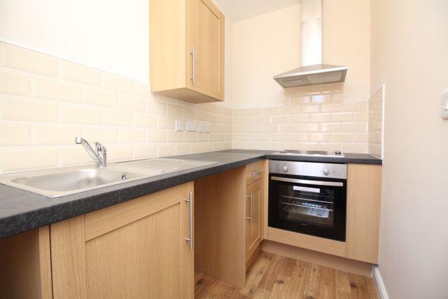 Thumbnail Flat to rent in Kirkby Road, Hemsworth, Pontefract