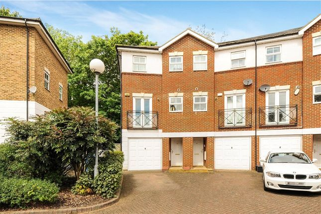 Old mill place wraysbury staines upon thames tw19 4 for 11242 mill place terrace