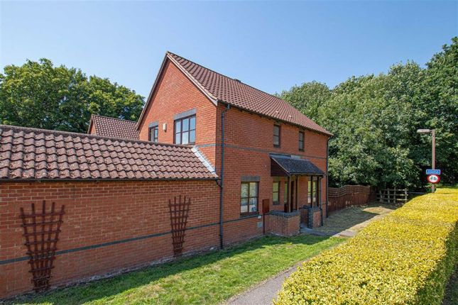 Thumbnail Detached house to rent in Bignell Croft, Loughton, Milton Keynes