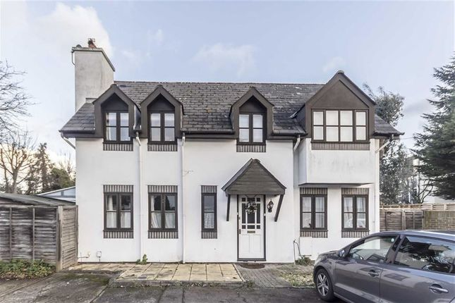 Thumbnail Detached house to rent in Station Close, Hampton