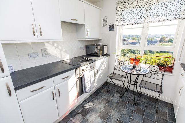 Thumbnail Flat for sale in Malcolms Meadow, Kirkcaldy