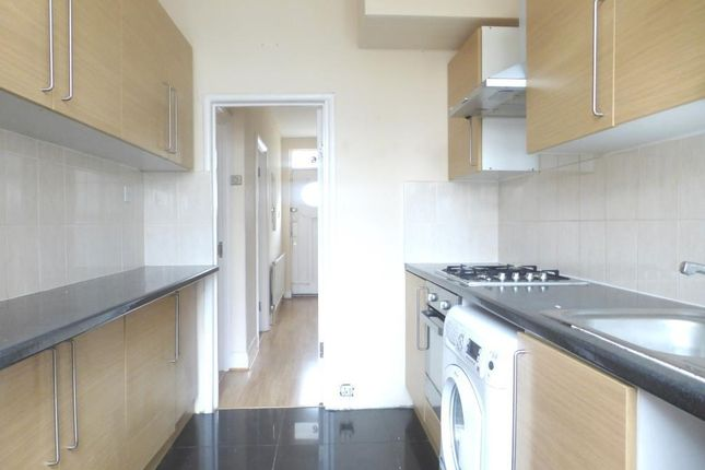 4 bed property to rent in Gatton Road, London