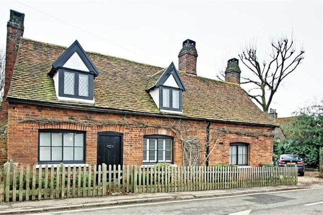 Thumbnail Detached house for sale in Langley Hill, Kings Langley