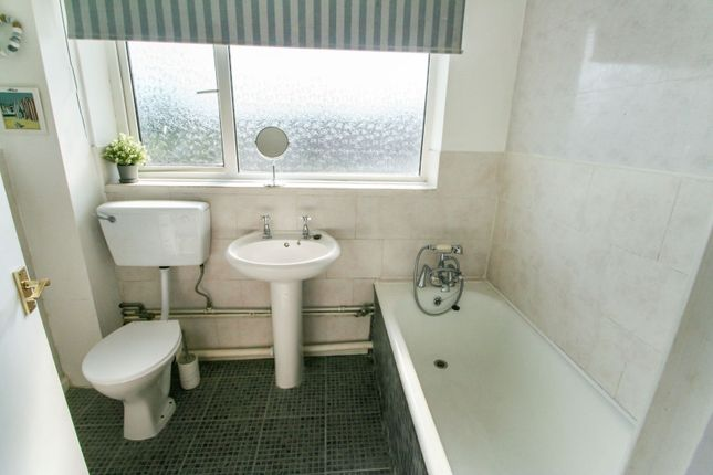 Bathroom of Townsend Road, Colchester CO5