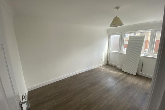 Room to rent in Long Riding, Basildon SS14