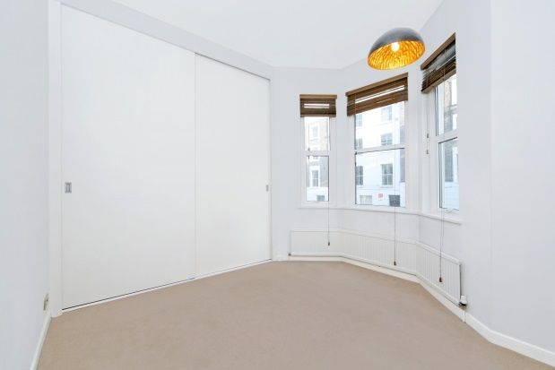 2 bed flat to rent in Ainger Road, Primrose Hill