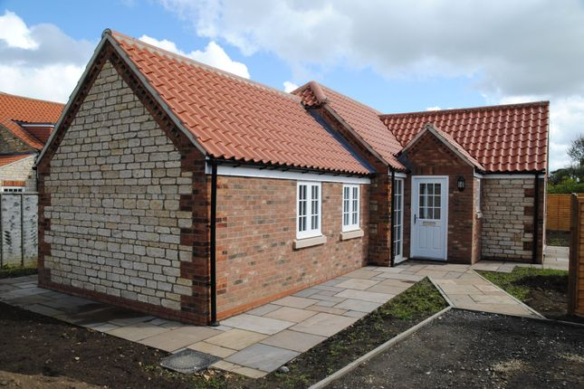Thumbnail Detached bungalow to rent in Risby Road, Appleby, North Lincolnshire
