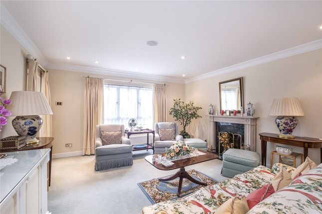 3 bed flat for sale in Parkside, London SW19