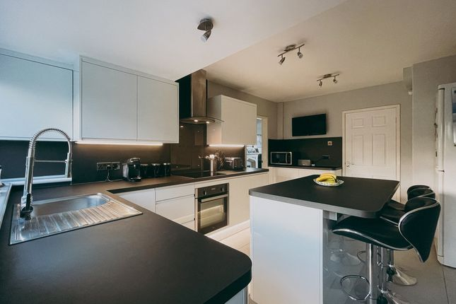 Thumbnail Semi-detached house for sale in Kenilworth Road, Warwickshire, Leamington Spa