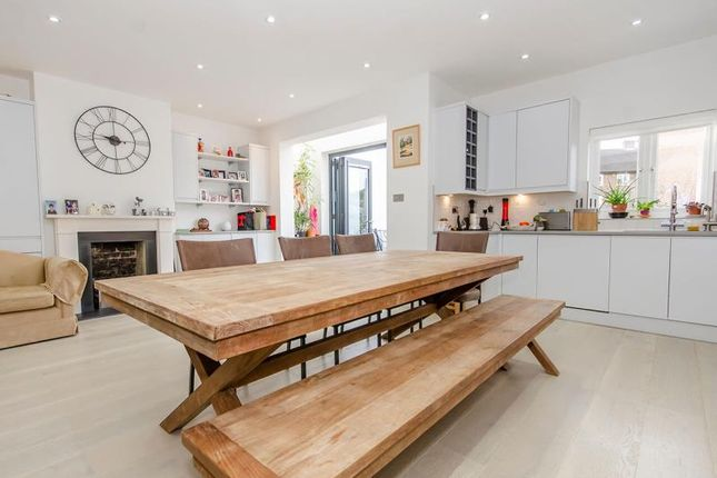 Thumbnail Semi-detached house for sale in Crescent Rise, London
