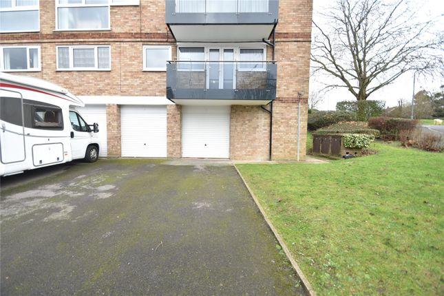 Picture No. 15 of Denham Close, Maidenhead, Berkshire SL6