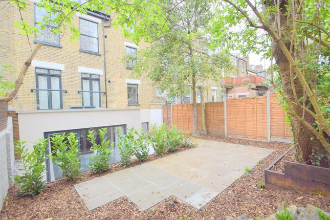 Thumbnail Property to rent in Kyverdale Road, London