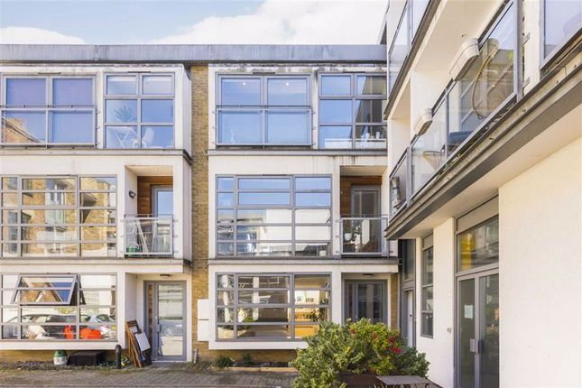 Thumbnail Property for sale in Tanners Yard, London