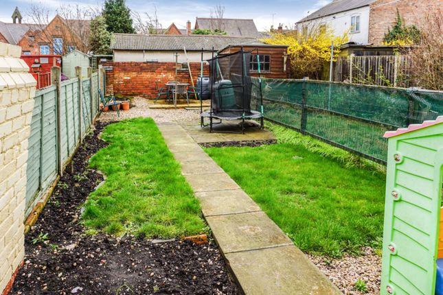 Garden of Shobnall Street, Burton-On-Trent DE14