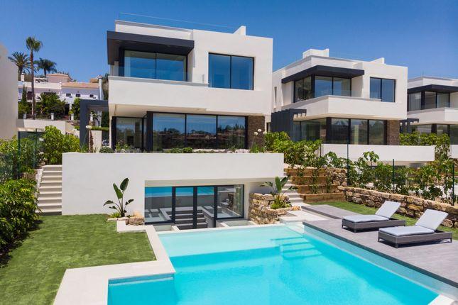 Villa for sale in El Campanario, Estepona, Malaga