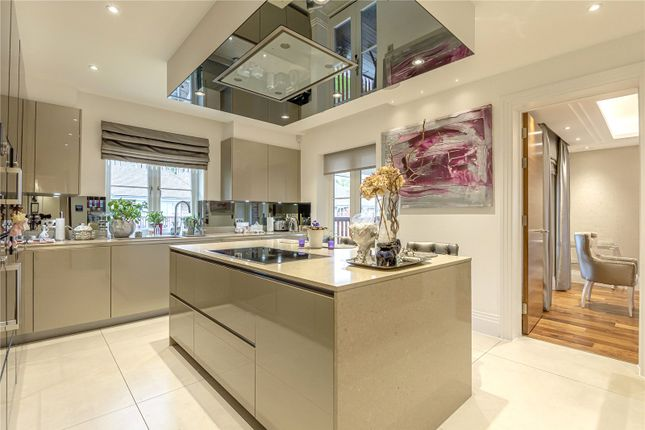 4 bed flat for sale in Nelson House, Hammers Lane, Mill Hill NW7