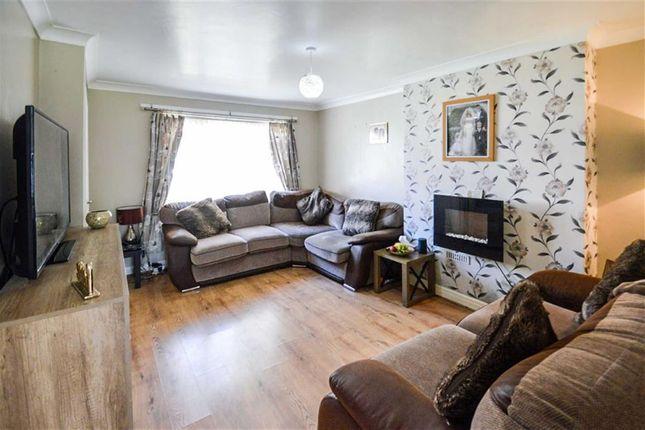 Thumbnail Terraced house for sale in Burcott Garth, Hull