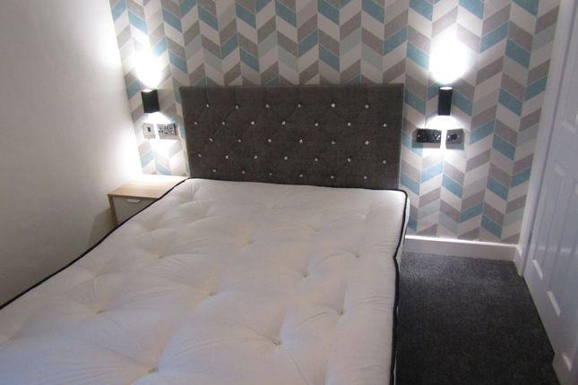Thumbnail Room to rent in Flanshaw Lane, Flanshaw, Wakefield